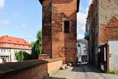 Chojnice, średniowieczne mury miejskie, baszta tzw. Wronia (2018)