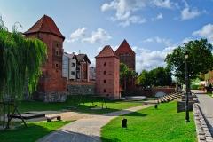 Chojnice, średniowieczne mury miejskie i fosa (2018)