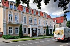 Chojnice, dawny hotel Dworcowy, dzisiaj Polonia oraz Naleśniki słodkie i wytrawne (2018)